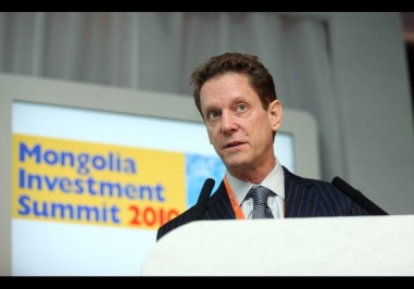 Robert Friedland il 24 maggio 2010 al Mongolian Investment Summit di Londra. Foto di Simon Dawson - Bloomberg.